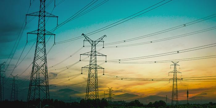 Stark steigende Energiekosten in Europa erhöhen die Fertigungskosten für Stahlstrahlmittel!
