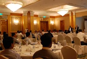 Seminário para clientes técnicos em Dubai
